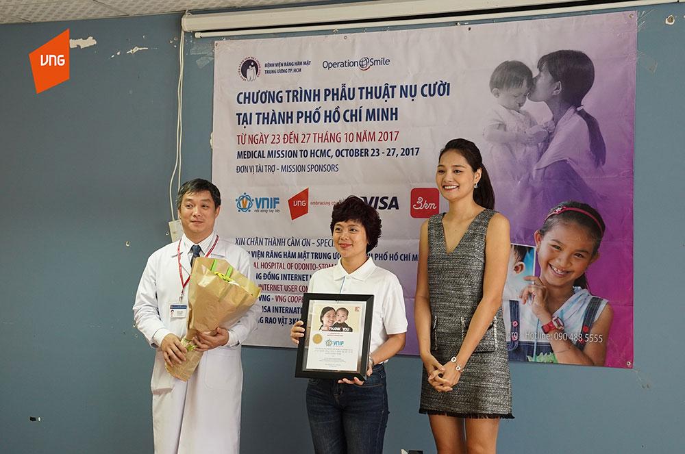 VNG và VNIF trao tặng hơn 200 triệu đồng phẫu thuật trẻ bị dị tật môi
